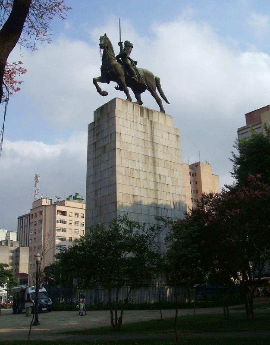 monumento-a-duque-de-caxias