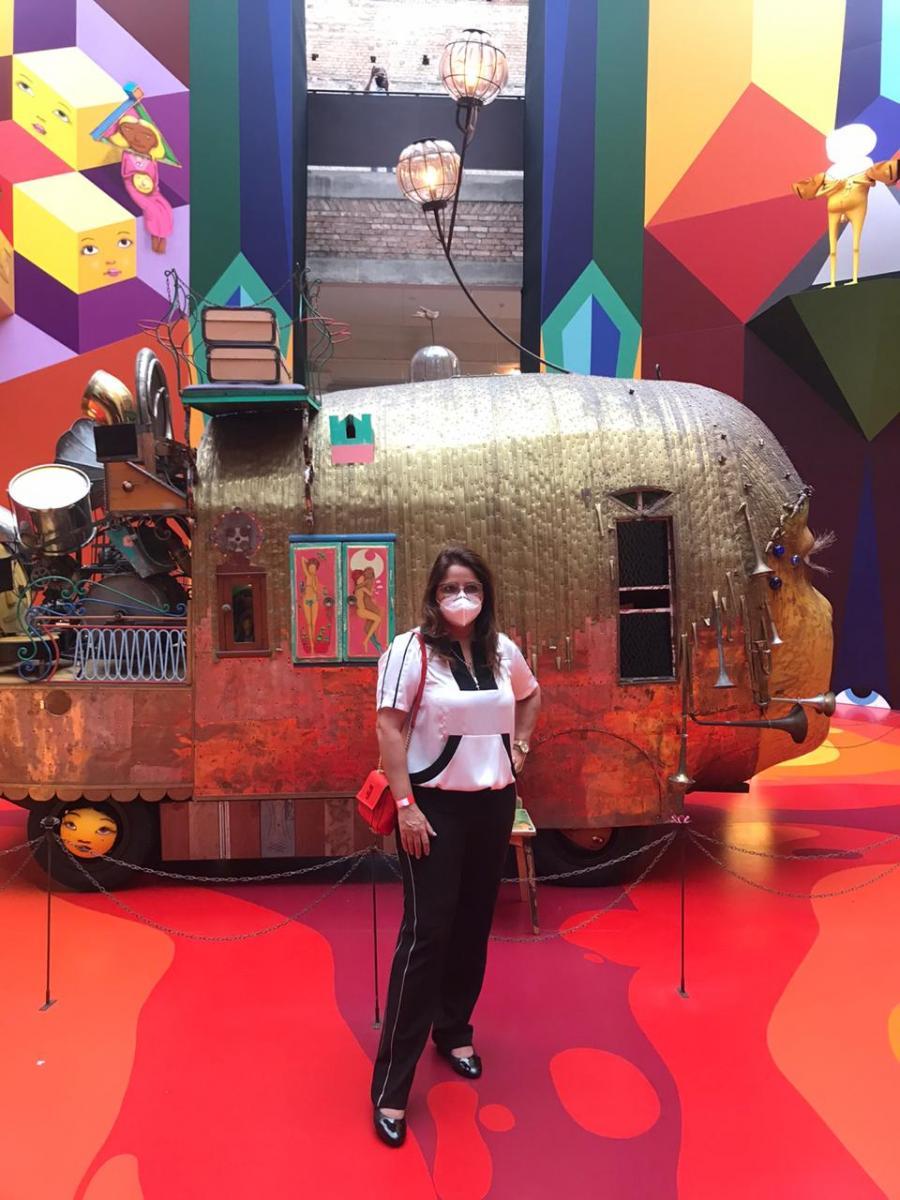 Visitei a grandiosa exposição Segredos, de OSGEMEOS