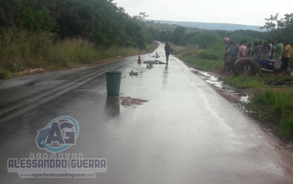 Mulher embriagada morre ao ser atropelada na BR-135 no Sul do Piauí