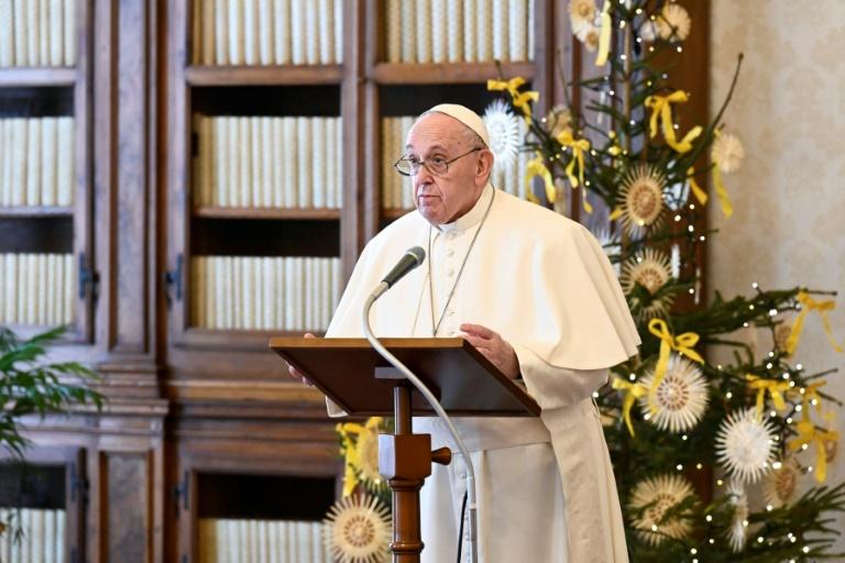Papa Francisco faz oração pelas vítimas da Covid-19 em Manaus