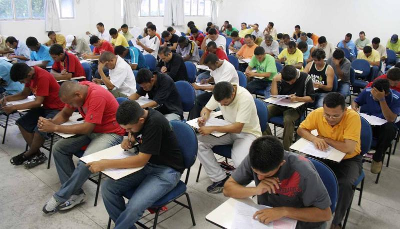Prefeitura de Teresina convoca 45 nomes para professor substituto