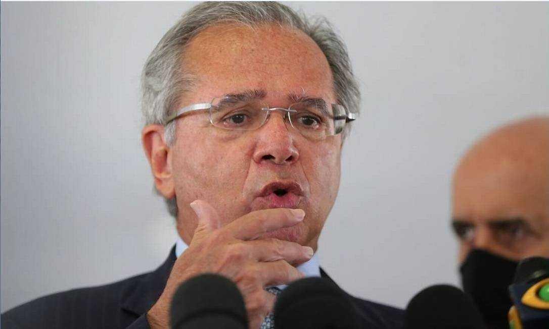 Paulo Guedes diz que só prorroga benefício com congelamento de verbas para educação e segurança