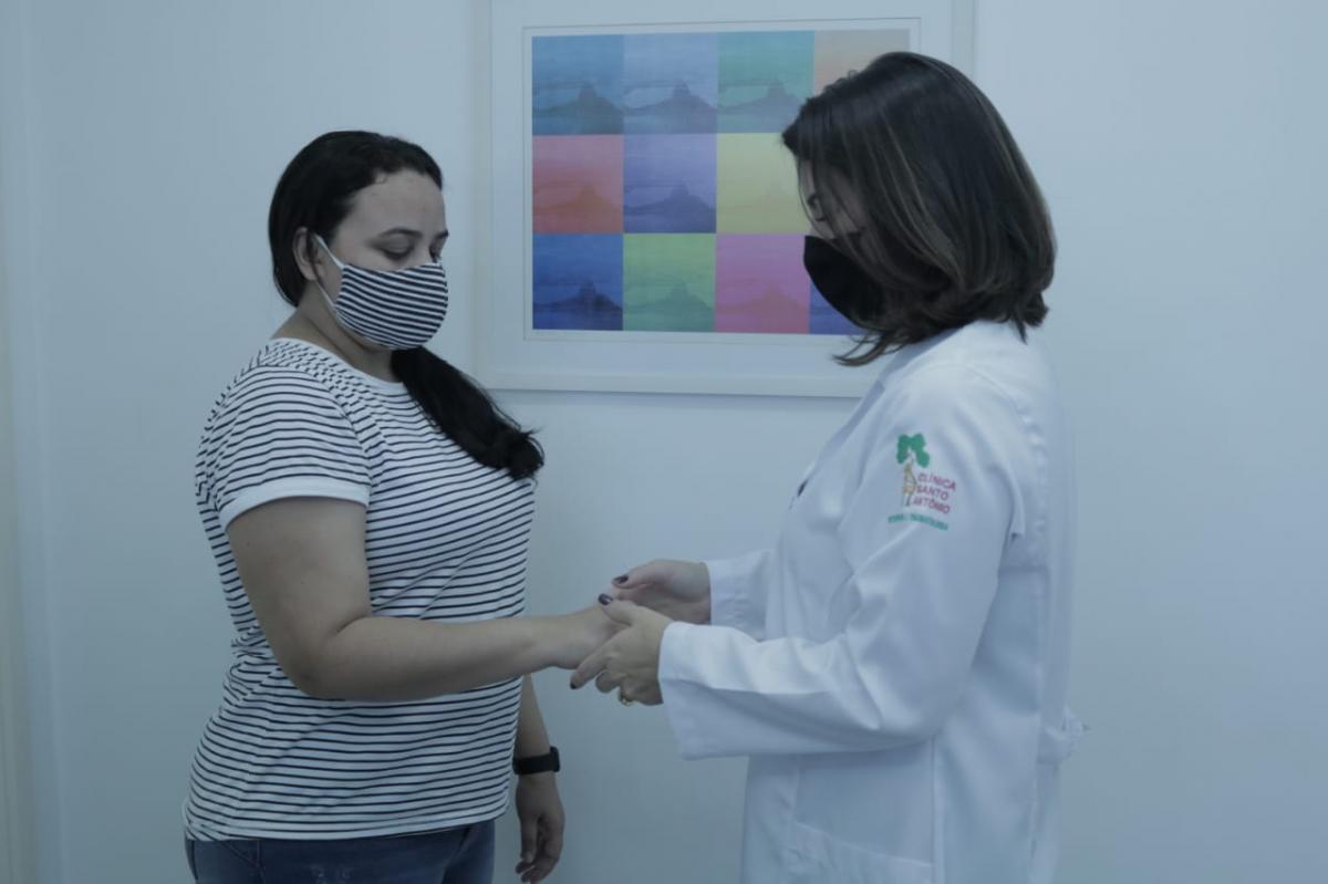 Tendinite de cotovelo: saiba quais os sintomas e cuidados para tratar esse problema