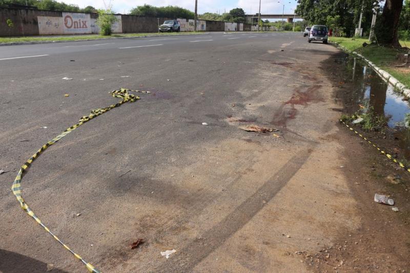 Mulher morre após ser esfaqueada e atropelada na Avenida Maranhão