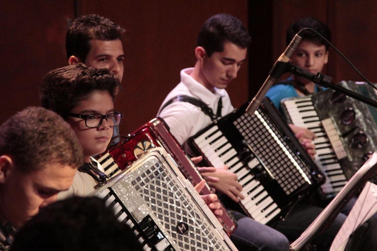 Palácio da Música abre inscrições para cursos gratuitos de sanfona e violão