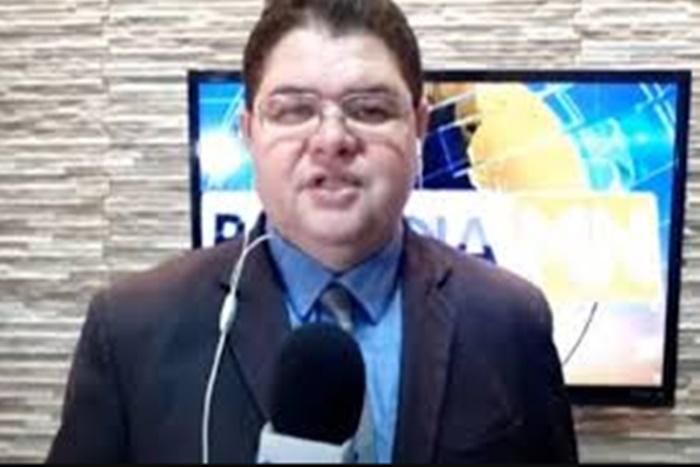 Jornalista Carlos Mesquita passa por cirurgia para retirada de tecidos necrosados