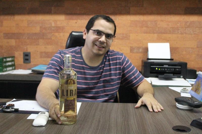 Cachaça Lira leva o melhor da bebida nordestina no Cidade Junina