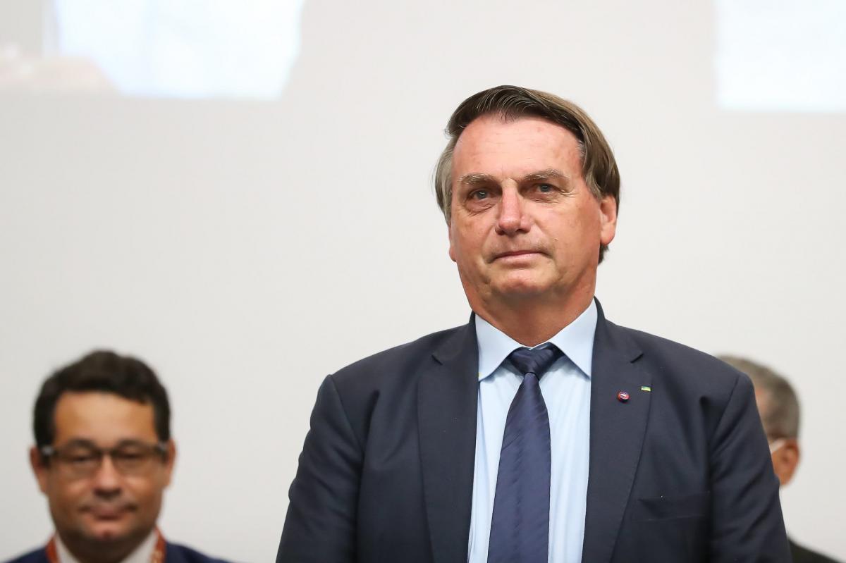 Grupo de médicos e cientistas protocola pedido de impeachment de Bolsonaro