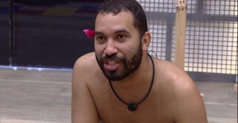 BBB21: Gilberto lamenta saudade de Lucas Penteado e fala sobre brother: ''Me apaixonei''