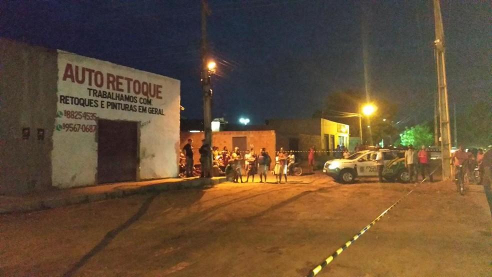 Jovem de 25 anos é morto a tiros dentro da própria casa na zona Leste de Teresina