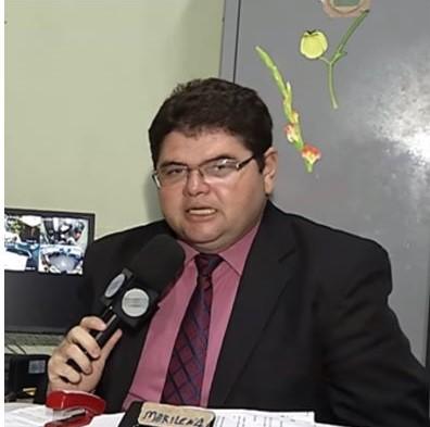 Jornalista Carlos Mesquita apresenta melhora e segue estável na UTI
