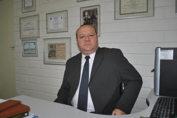 Promotor pede prisão preventiva de policial que atirou no cantor Saulo Dugado