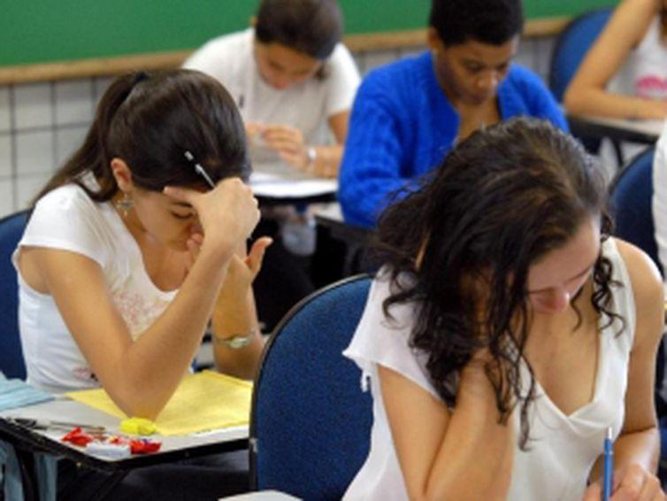 Taxa de inscrição no Exame Nacional do Ensino Médio deve ser paga até hoje