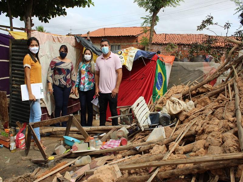 Casa desaba durante forte chuva na zona sudeste de Teresina