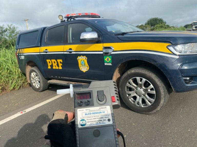 Motorista embriagado é preso depois de se envolver em acidente