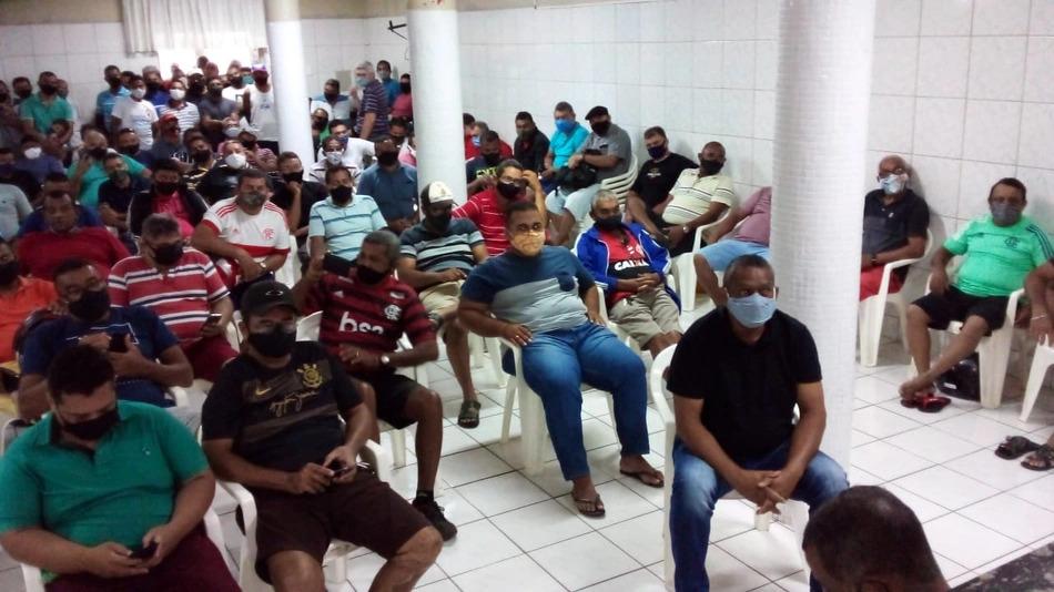 Motoristas e cobradores recusam proposta do Setut e mantem greve