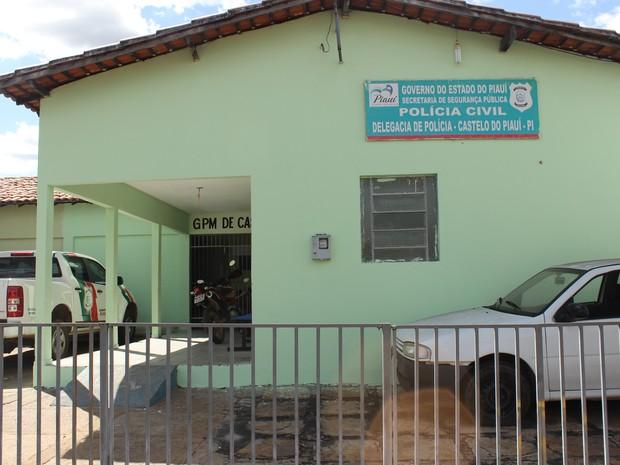 Idoso é agredido a pedradas por usuário de drogas em Castelo do Piauí