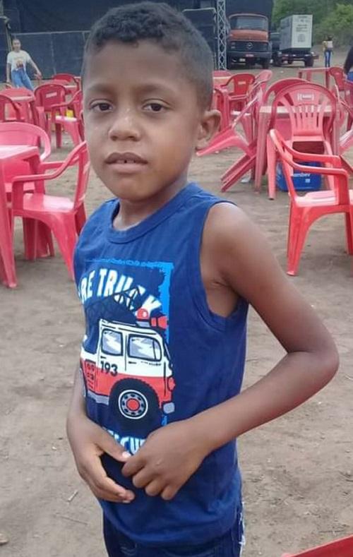 Criança de oito anos morre após ser atingido por raio no interior do Piauí