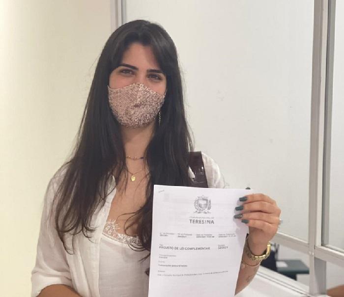 Vereadora apresenta projeto de Lei que cria o Conselho de Proteção dos animais