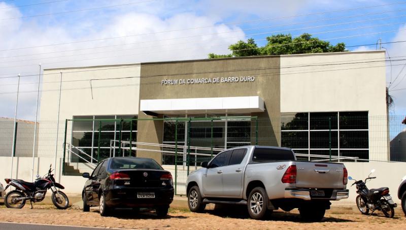 TJ do Piauí reinaugura Fóruns e homenageia Valter Alencar