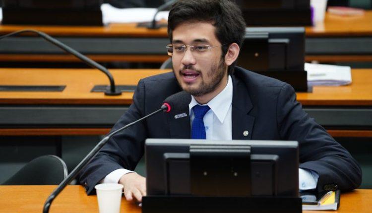 Kim Kataguiri aciona STF contra PEC que restringe prisão de parlamentares