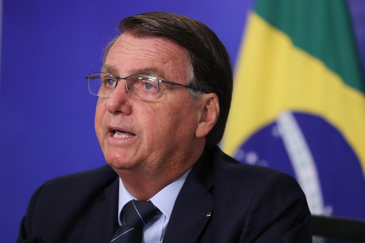 Bolsonaro usa enquete alemã distorcida para criticar uso de máscaras