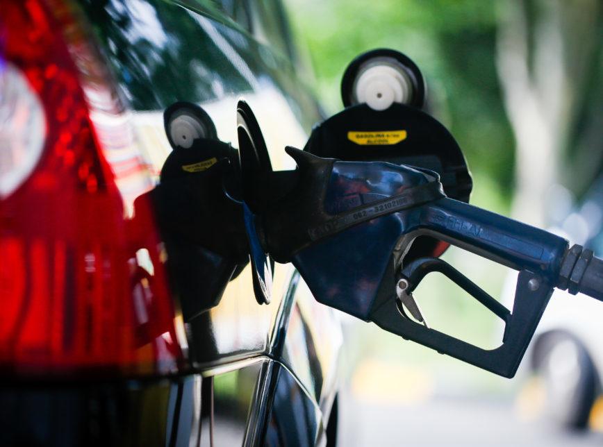 Petrobras anuncia novo reajuste de 5% na gasolina e no diesel