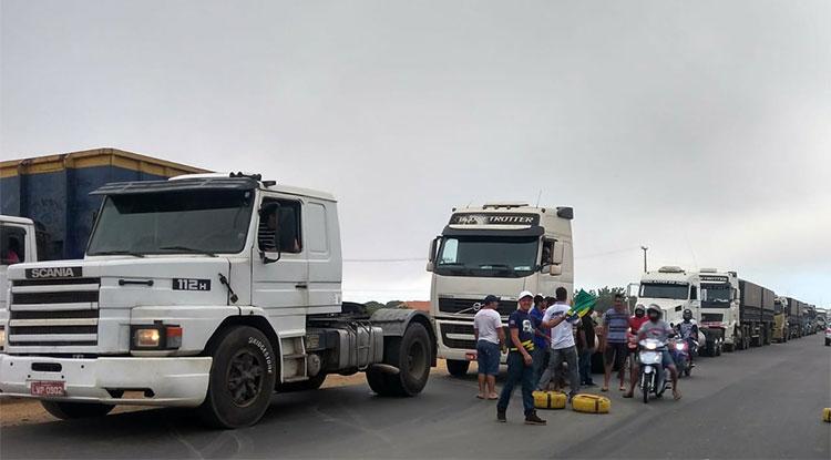 Protestos de caminhoneiros cresce e fecha acesso à Bunge em Uruçuí