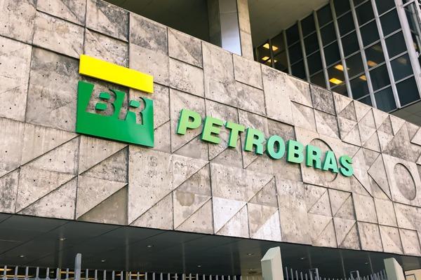 Quatro conselheiros da Petrobras renunciam após troca na presidência