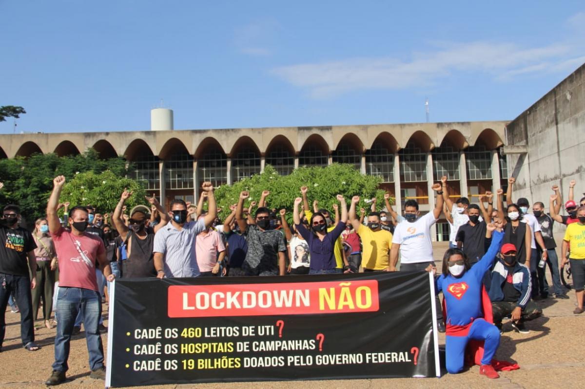 Empresários e trabalhadores de restaurantes protestam contra lockdown no Piauí