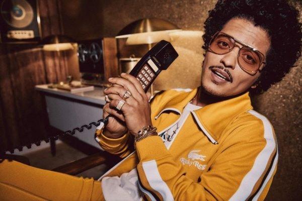 Bruno Mars lança primeira linha de roupas em colaboração com a Lacoste