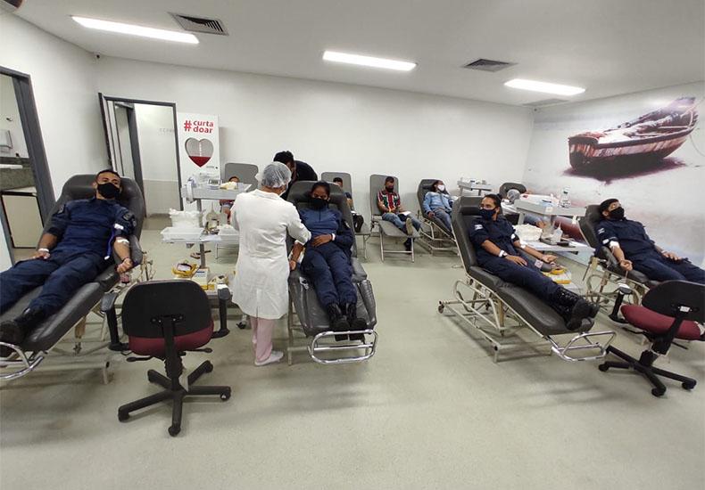 Mais de 60 guardas municipais doam sangue em ação voluntária no Hemopi