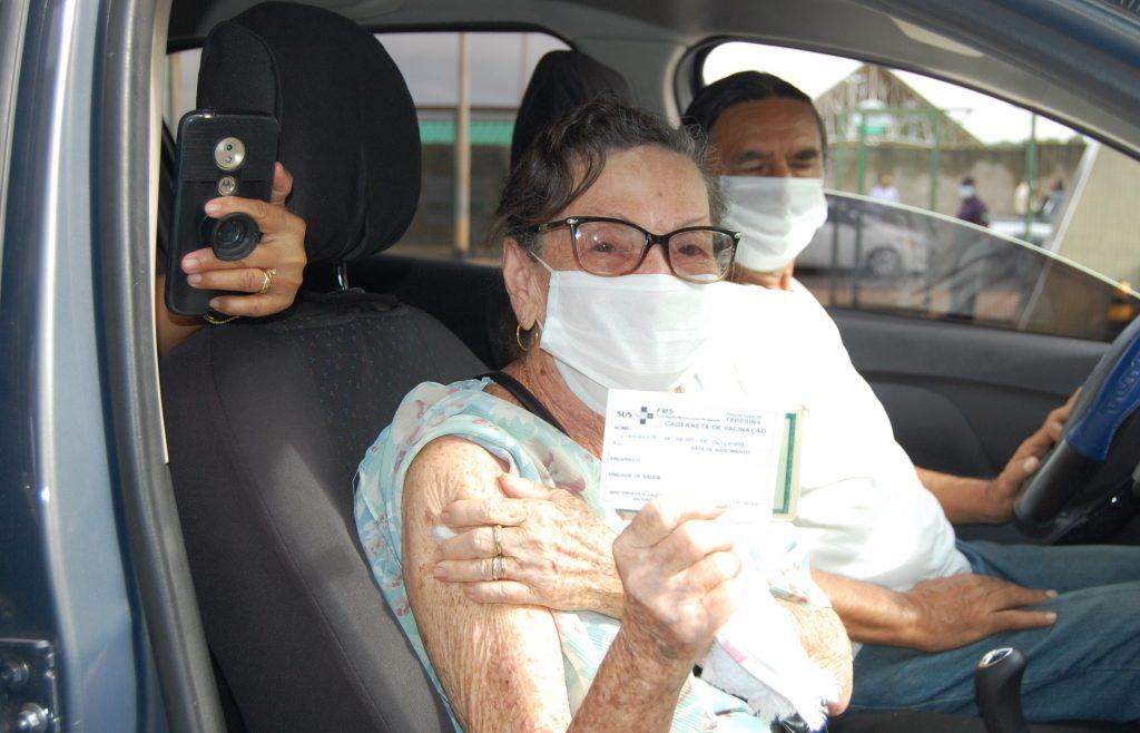 FMS prorroga horário de vacinação drive-thru contra a Covid-19; confira