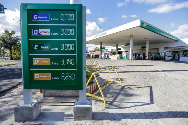 Sindicato alerta que gasolina começa a faltar em Teresina na sexta-feira