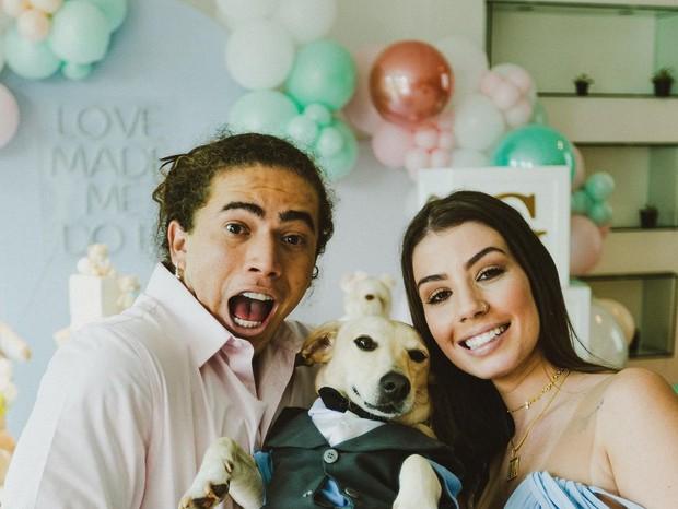 Whindersson Nunes e Maria Lina revelam sexo de bebê e anunciam noivado