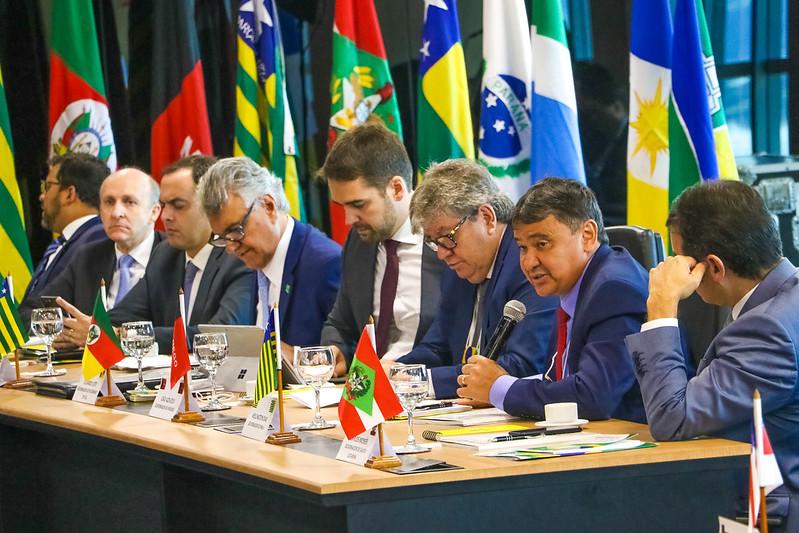 Governadores articulam medidas conjuntas para conter avanço da Covid-19