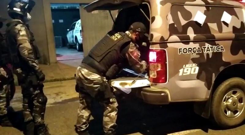 Polícia prende homem acusado de roubar moto na avenida Raul Lopes