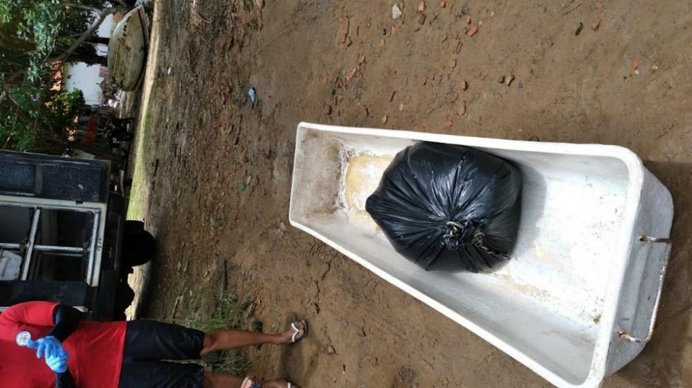 Corpo sem braços e pernas é achado boiando em rio no Litoral do Piauí