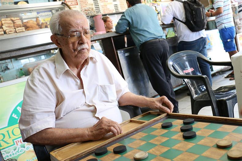 Morre aos 92 anos o 'Seu Abrahão', que vendia sucos no centro de Teresina