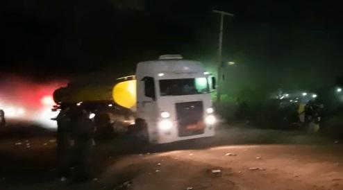 Manifestantes deixam Terminal e caminhões pipas voltam a abastecer postos de combustível no Piauí