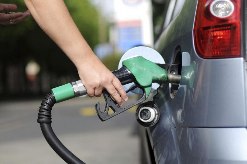 Petrobrás anuncia redução do preços da gasolina que começa a valer nesta terça-feira