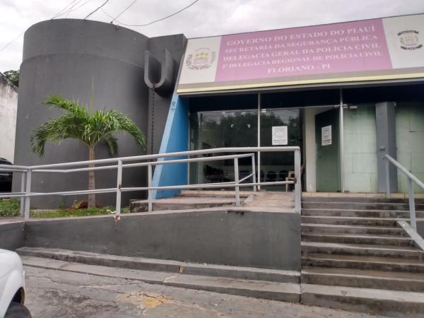 Jovem é vítima de tentativa de feminicídio em Floriano