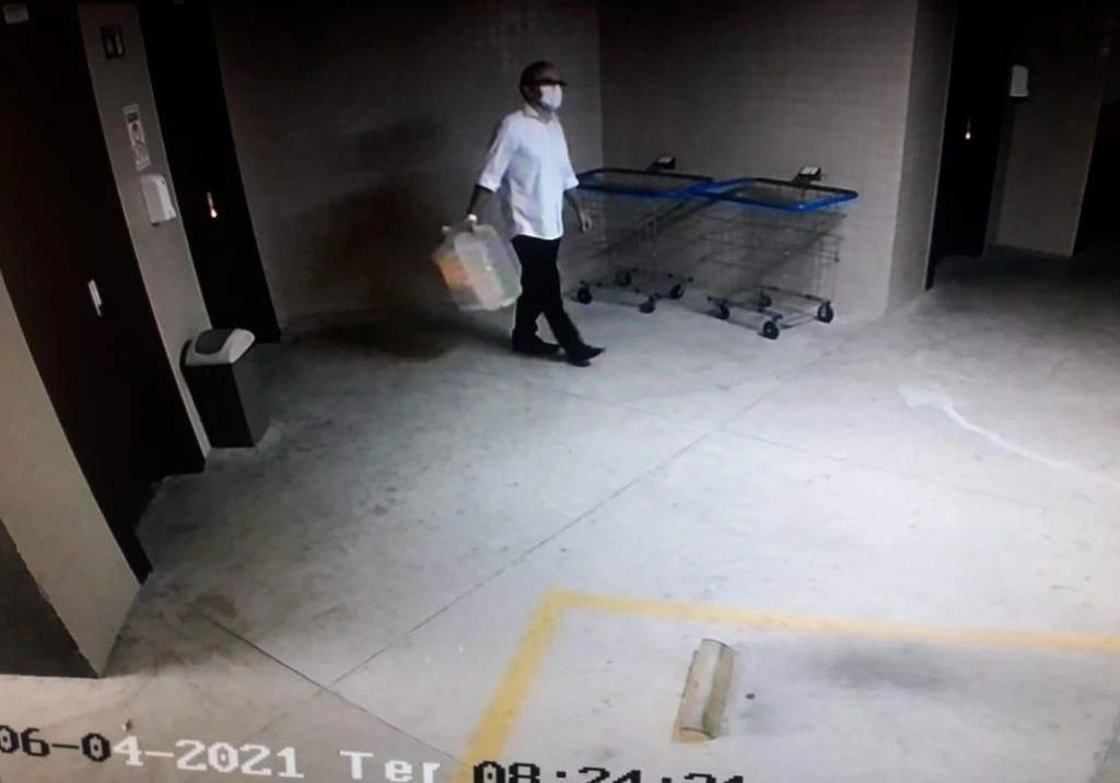 Câmeras de segurança do edifício Manhattan registram Firmino Filho no dia da morte