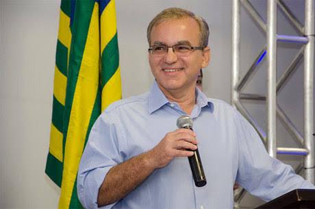 Ao vivo: acompanhe a missa de 7° dia do ex-prefeito Firmino Filho