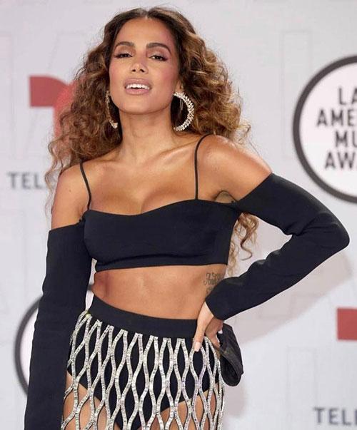 Anitta participa de evento especial do Grammy Latino em homenagem às mulheres