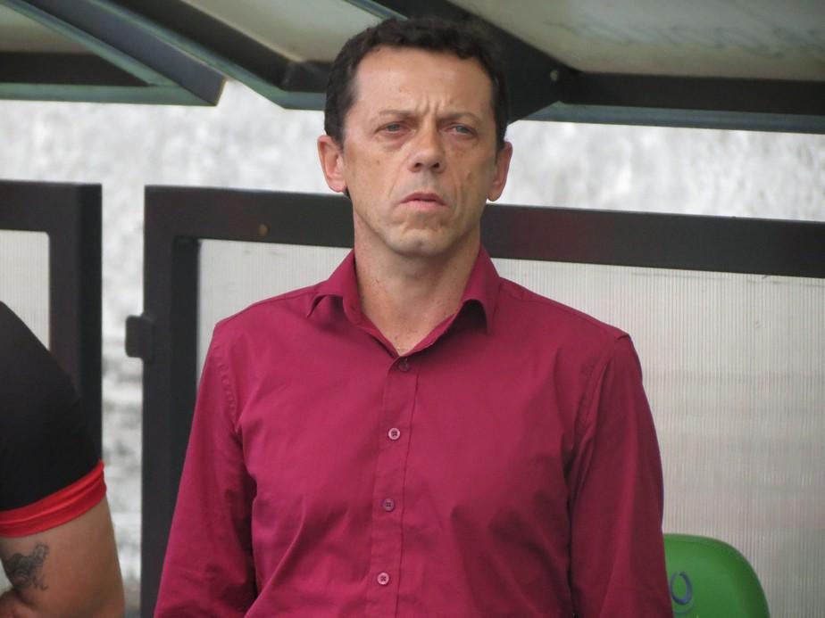 Fernando Tonet entrega cargo e não é mais o técnico do Altos