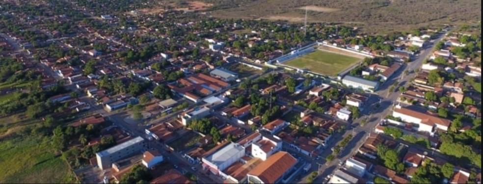 Prefeitura de Curimatá fecha por 15 dias academias e bares