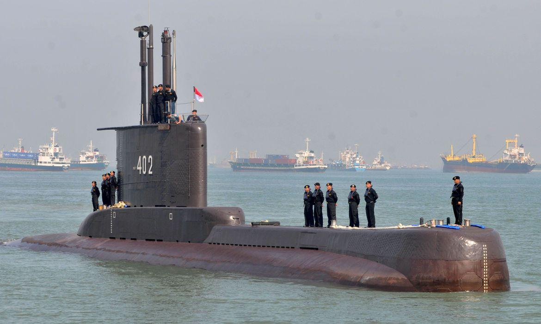Submarino desaparecido da Indonésia só tem oxigênio até amanhã cedo
