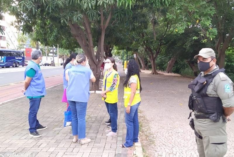 Vigilância Sanitária de Teresina realiza ações educativas sobre uso de máscaras