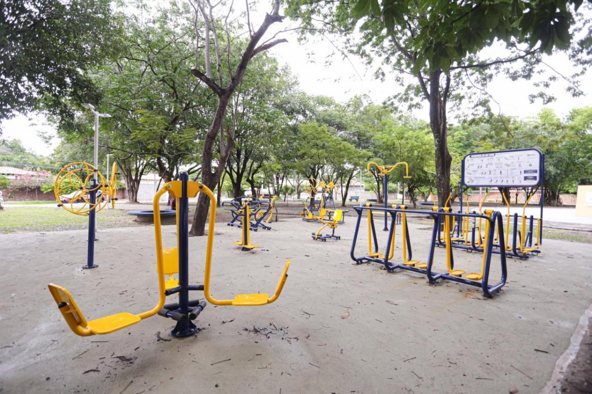 Dr. Pessoa inaugura academias populares, complexo esportivo e nova avenida